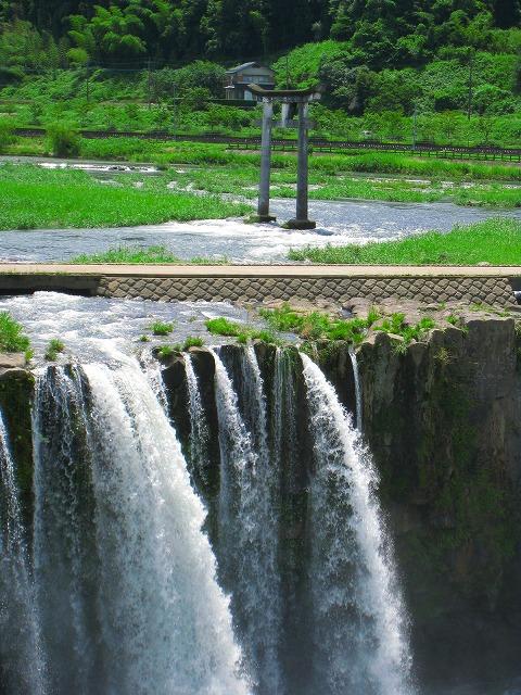 原尻の滝鳥居